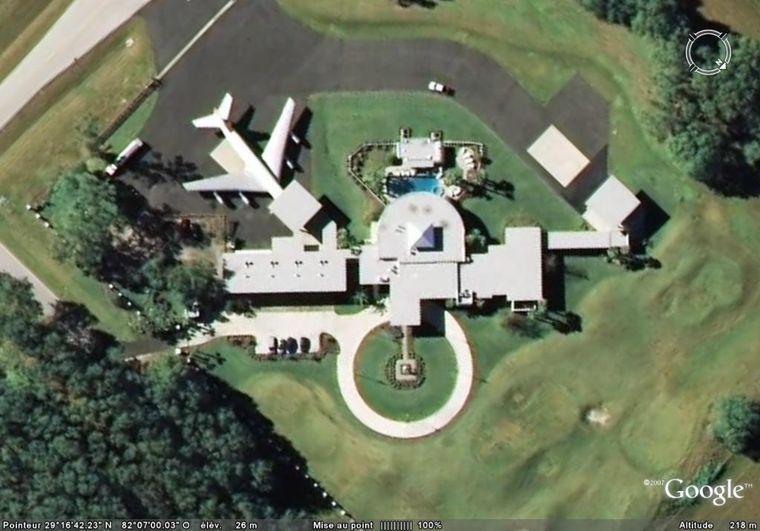 John Travolta  Google Earth Fan